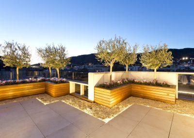 conillas-paisajismo-jardineria-diseno-espacio-exterior-terraza-con-pergola-tarima-de-madera-09