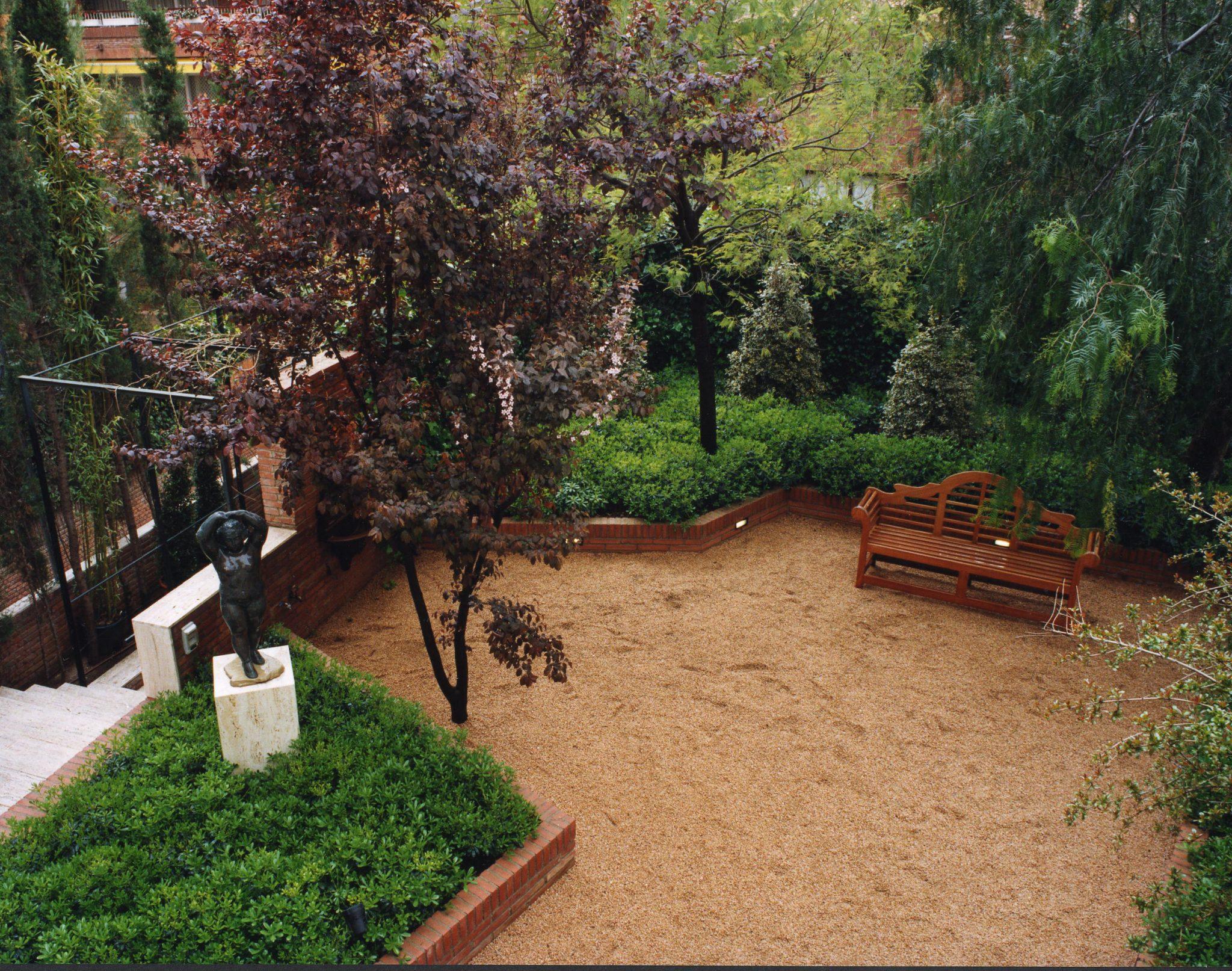 Jardineria en barcelona with jardineria en barcelona for Jardineria moral barcelona