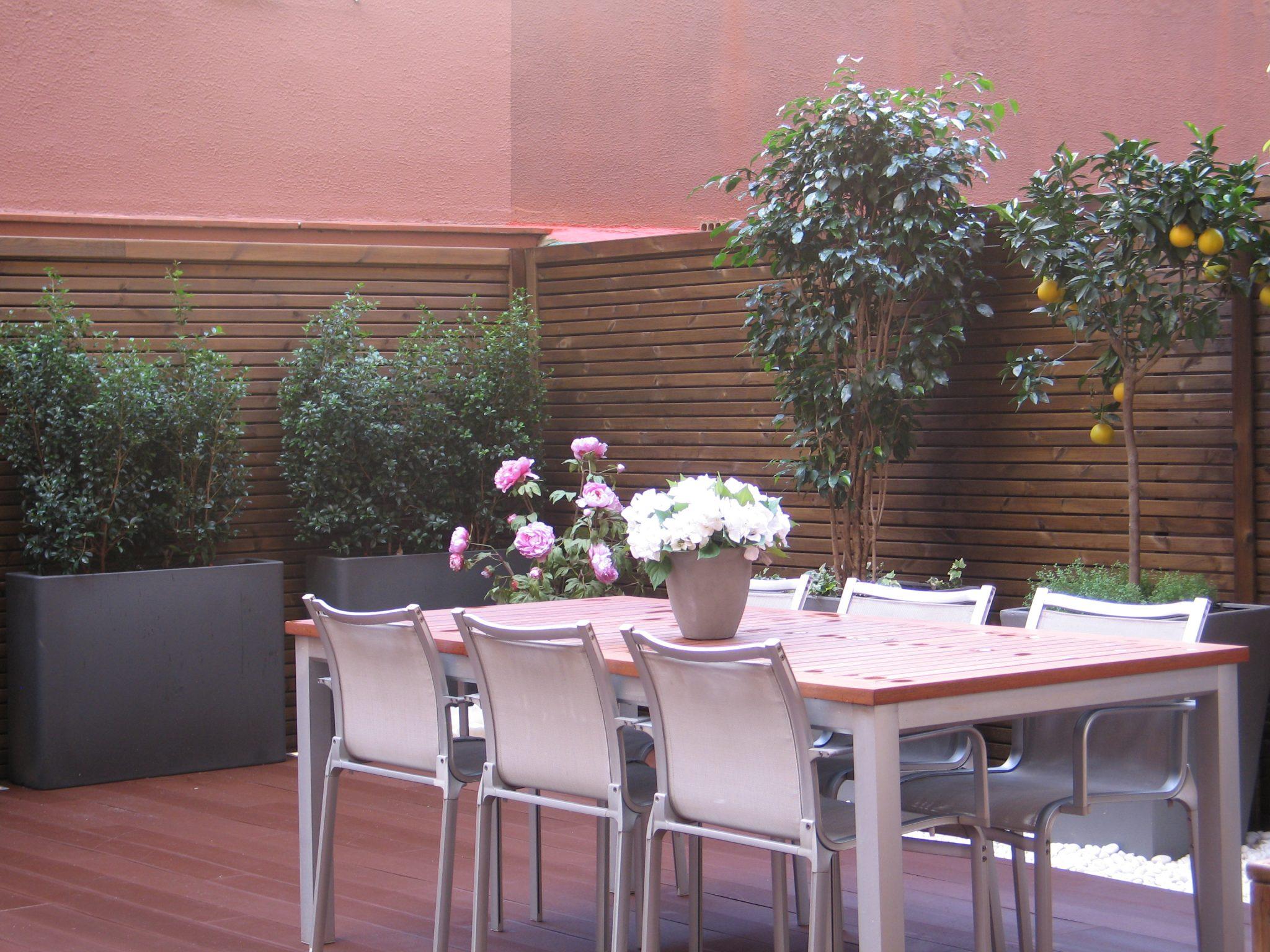 Empresas de jardineria en barcelona finest servicios de for Empresas de jardineria
