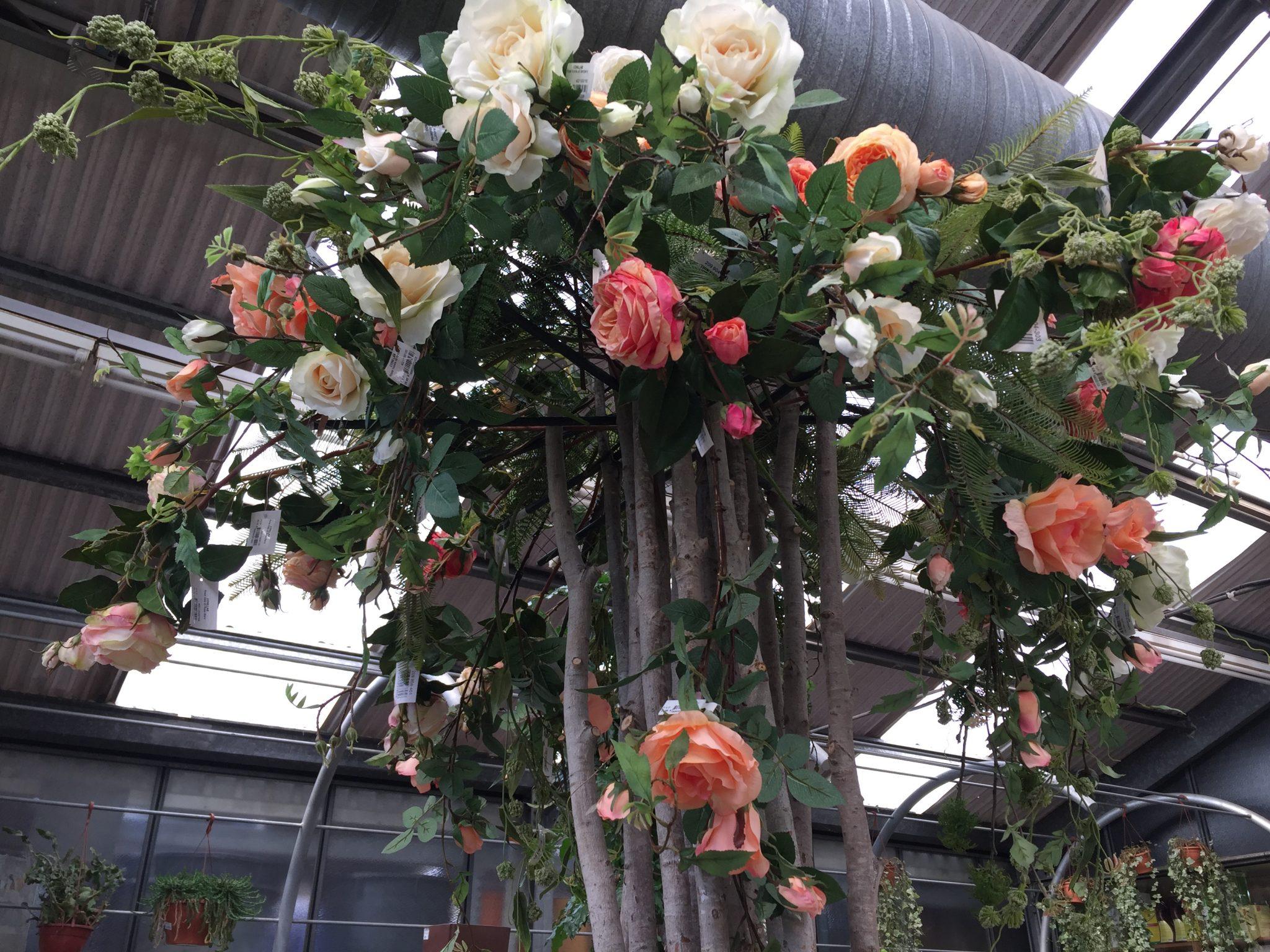 Arreglo Floral Con Tronco Natural Y Rosas Artificiales